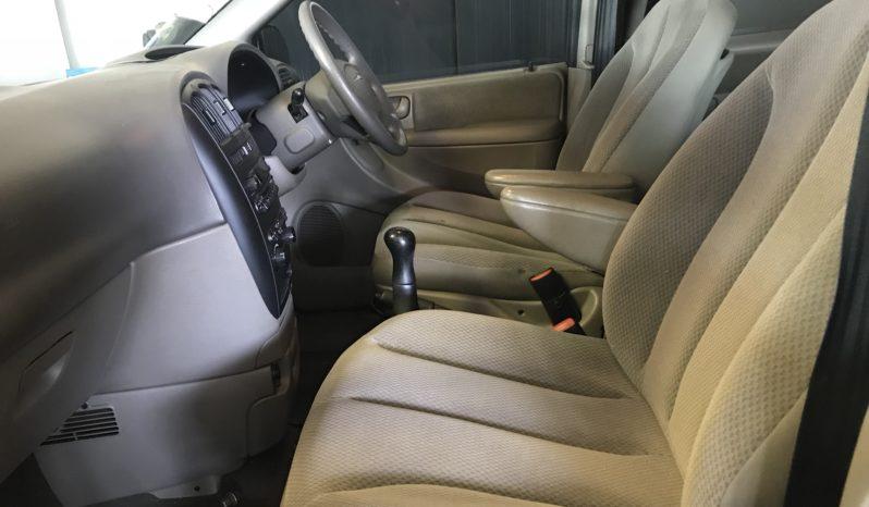 2005 Chrysler Voyager 2.4 SE For Sale in Milnerton full